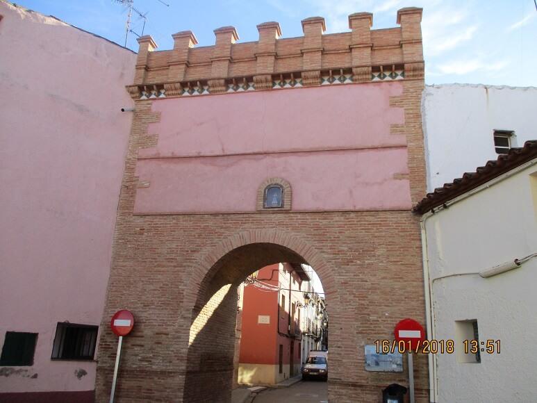 Paniza. Arco de Montserrat