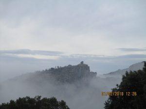 Alquézar entre la niebla