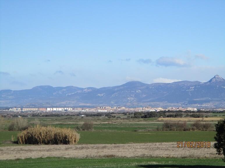 Huesca al fondo
