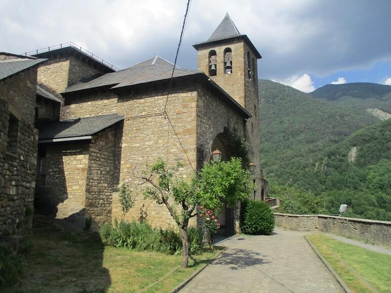 Torla. Iglesia del Salvador