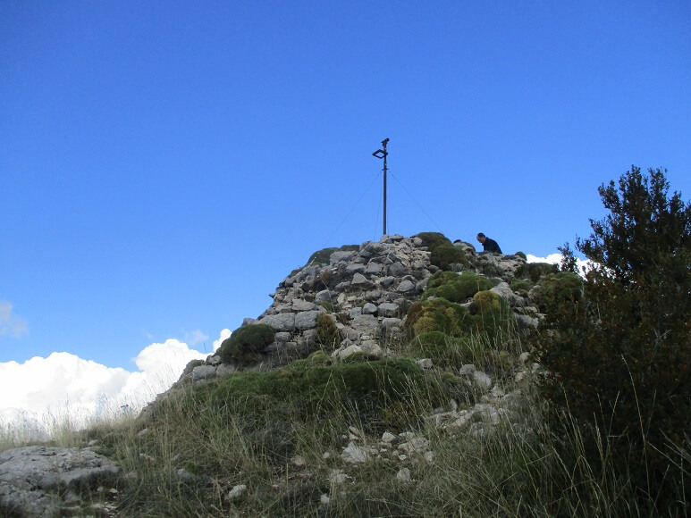 Restos torre defensiva. Tozal de Surta