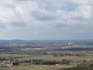 Huesca, al fondo