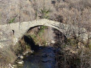 Beranuy. Puente sobre el río Isábena