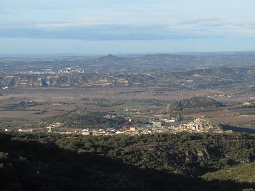 Estadilla, con el Valle del Cinca y el Somontano al fondo