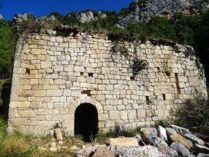 Ermita de Torm. Se aprecia la falta del crismón
