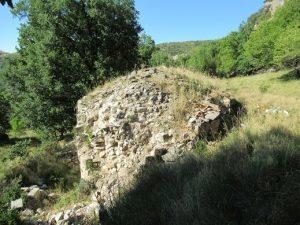 Ábside ruinoso de la ermita de Torm