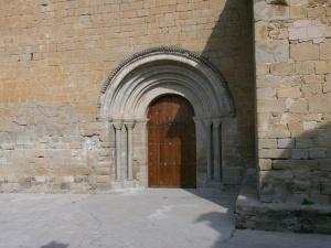 Capella. Parroquial de San Martín. Portada