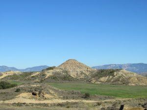 Ondulados terrenos, camino de Almudévar