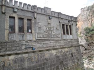 Casa de control de las aguas del Canal de Tamarite