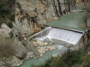 Azud del Canal de Tamarite. Río Ésera
