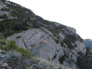 Escarpadas paredes rocosas. Sierra de Sis