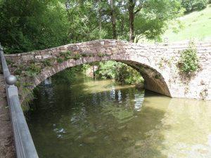 Laspaúles. Puente sobre el río Isábena