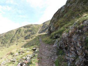 Senda de bajada al Valle La Géla